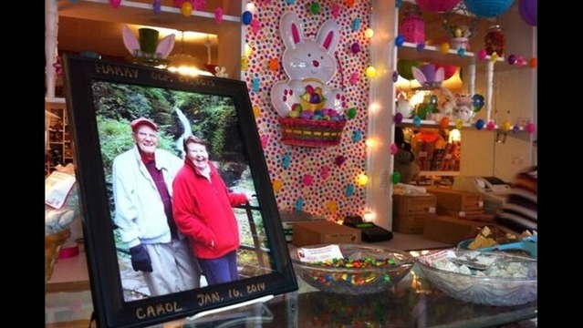 easter bunny misses old friends at callies candy kitchen - Callies Candy Kitchen